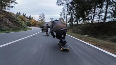 how fast do electric skateboards go